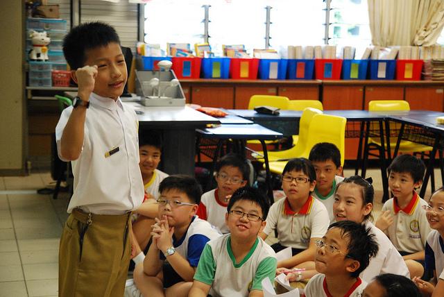 Singapore focuses on teaching mother language in schools